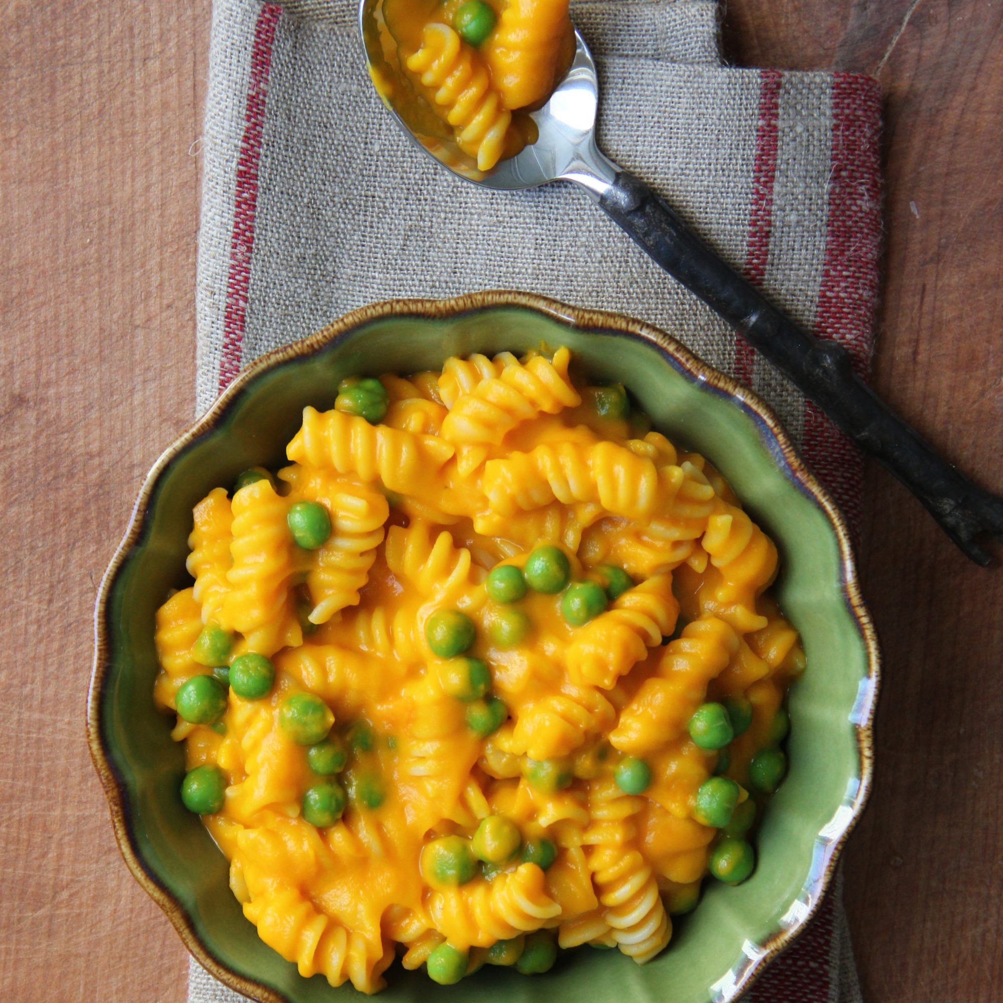 Carrots and Peas Mac and Cheese