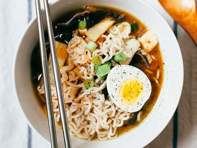 HD-201408-r-hot-and-sour-soup-with-ramen.jpg
