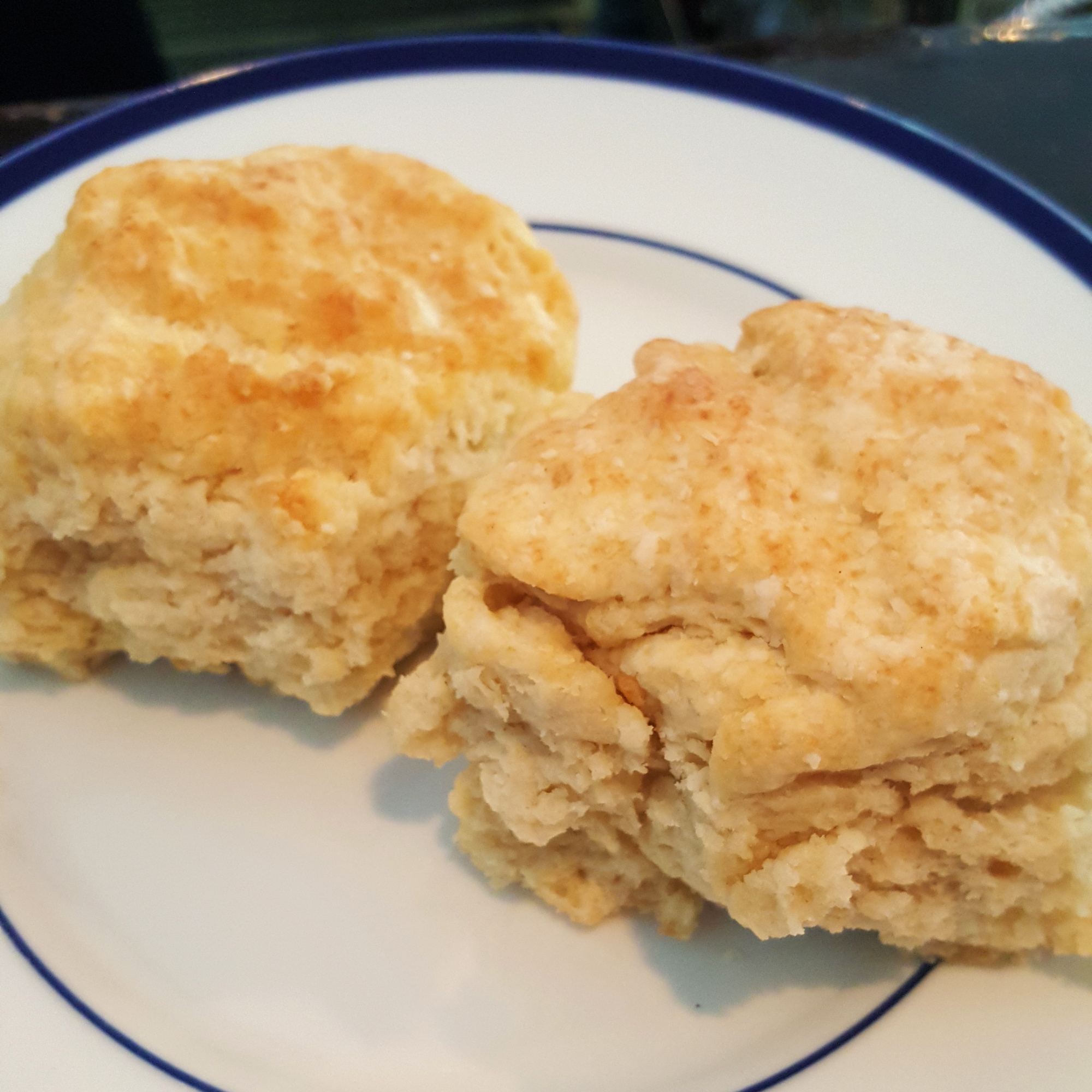 CHEFDISPATCH1215-XL-jimmy-bannos-biscuits.jpg