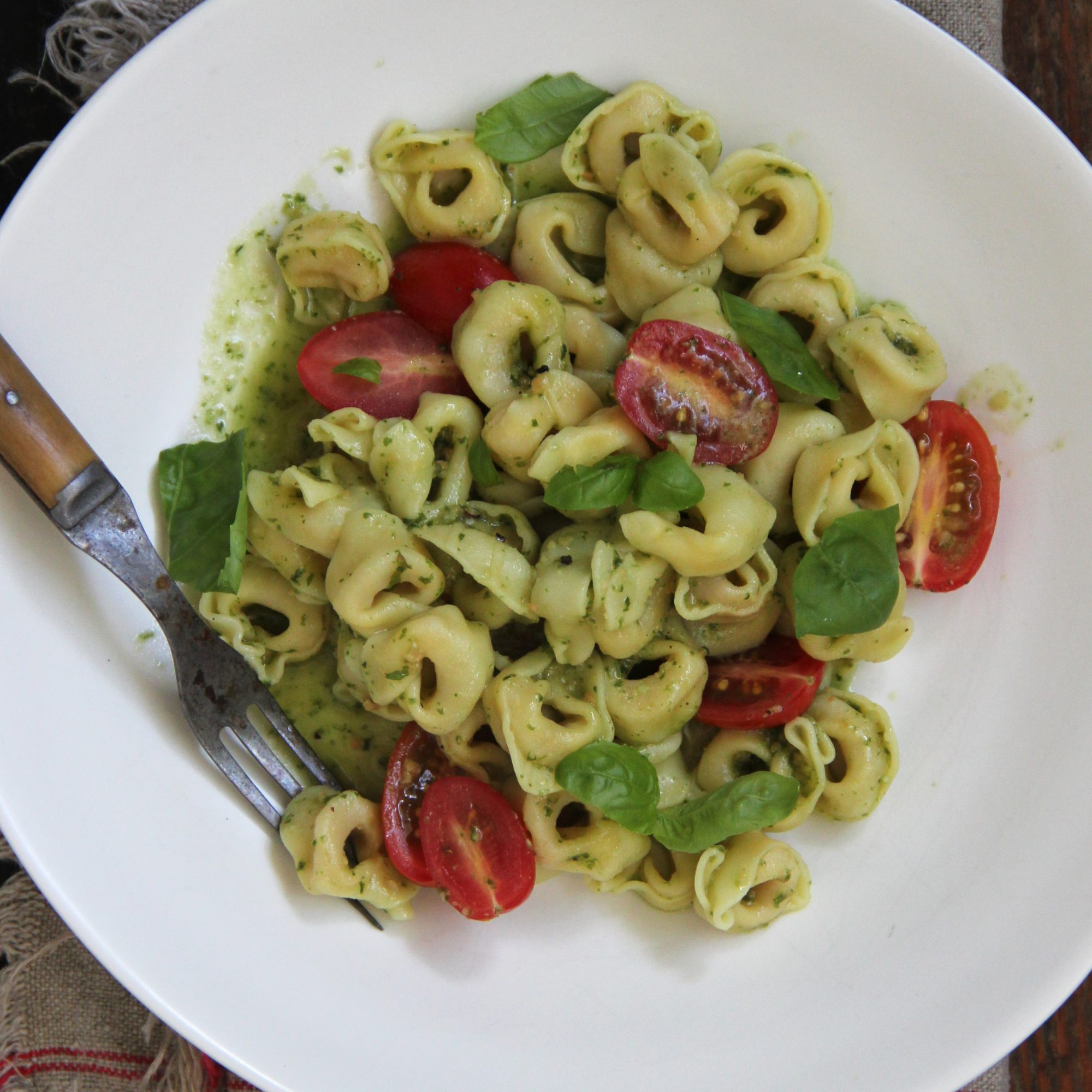Tortellini with Pesto and Cherry Tomatoes