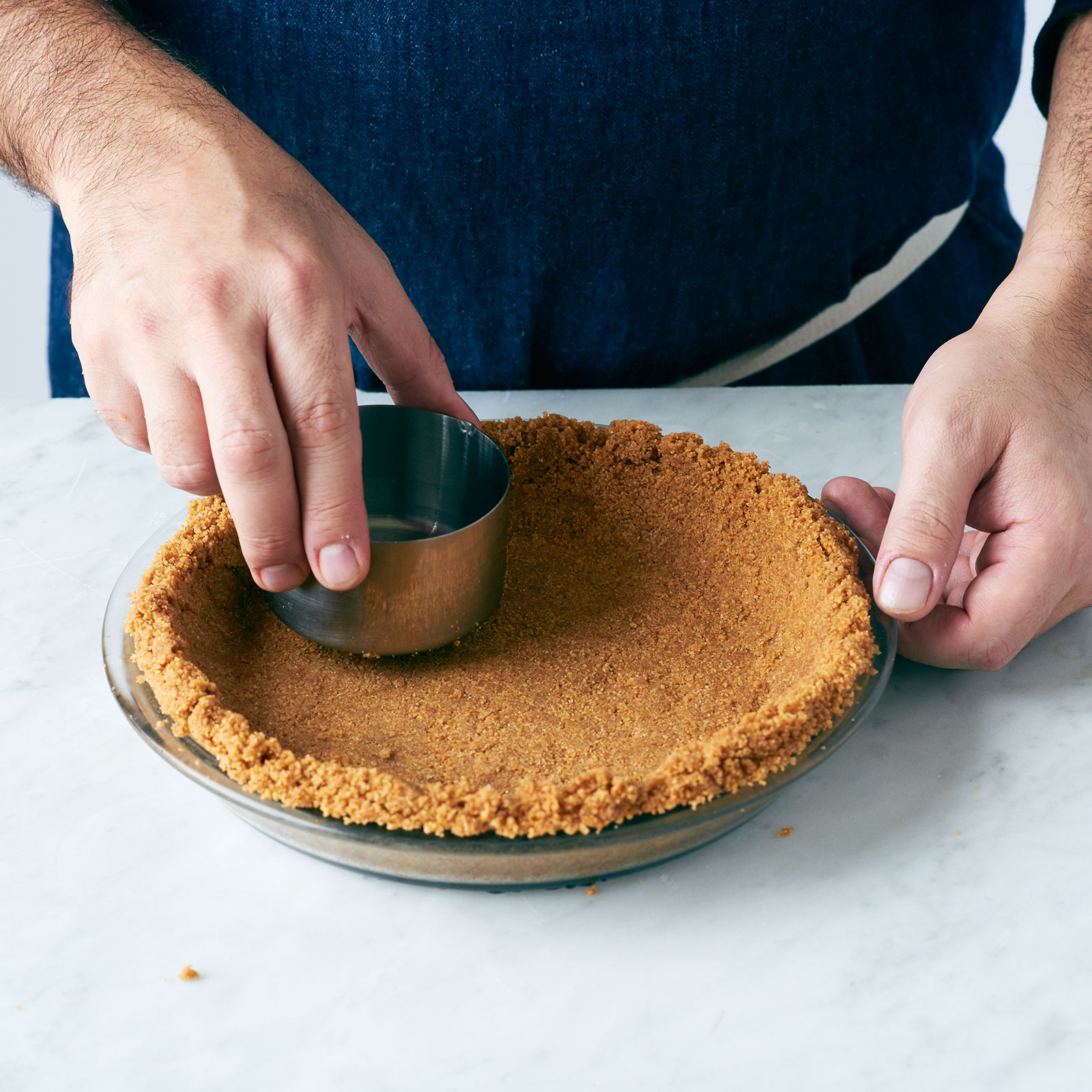 Making pie crust with graham crackers