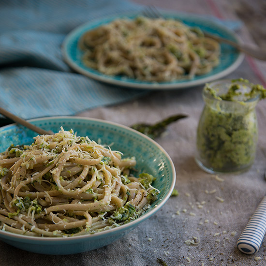 Roasted Asparagus Pesto with Whole-Wheat Linguine