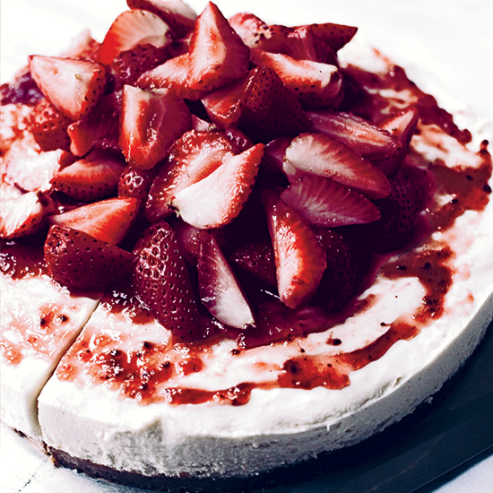 No-Bake White Chocolate Cheesecake with Strawberries