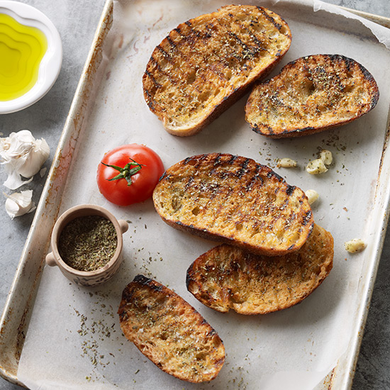 Toasted Bread with Olive Oil, Garlic and Herbs