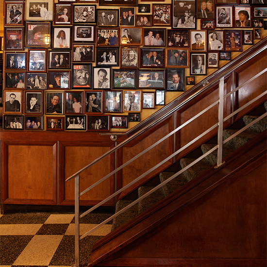 Iconic Steak Houses: Gibsons Bar & Steakhouse, Chicago