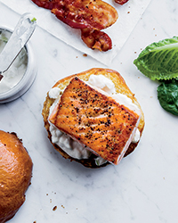Salmon Sandwiches with Bacon and Apple-Horseradish Mayo