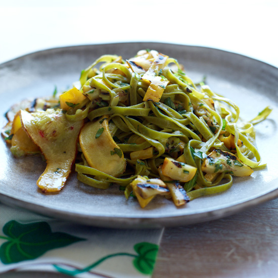 HD-201106-hp-spinach-fettuccine.jpg
