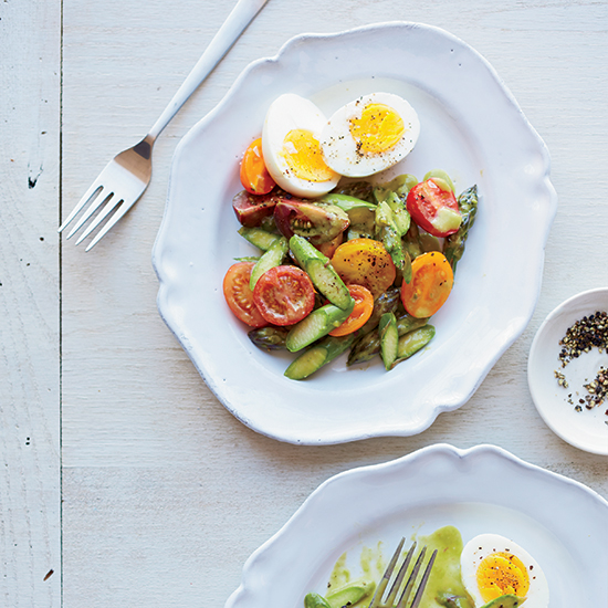 HD-201408-r-Raw-Asparagus-Salad-with-Tomatoes-and-Hard-Boiled-Eggs.jpg