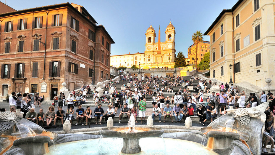 Spanish Steps Re-open in Rome