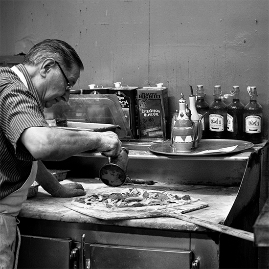 Brooklyn Photo Tour: Di Fara Pizza