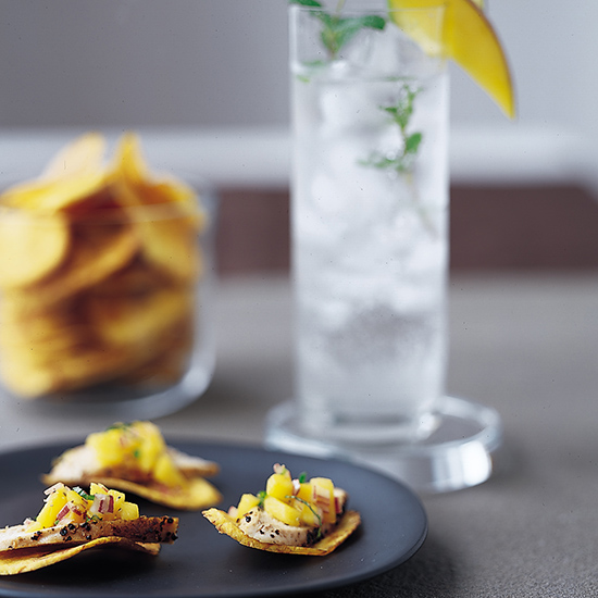 Plantain Chips with Chicken and Mojito Mango Salsa