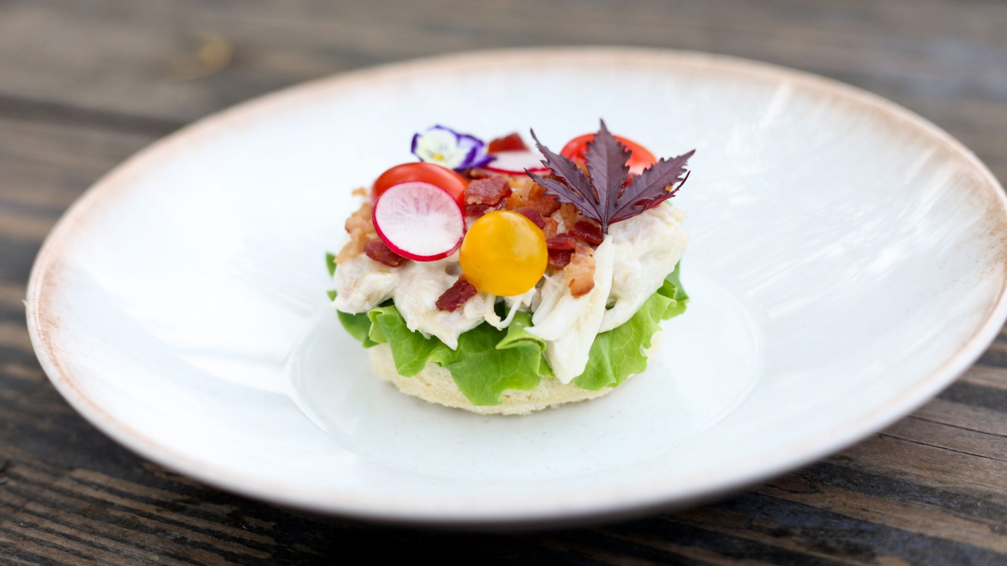Riel Restaurant Blue Crab BLT