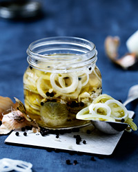 Green-Tomato Pickles
