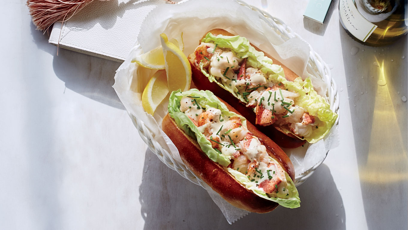 Butter-Poached Lobster Rolls with Spicy Sauce