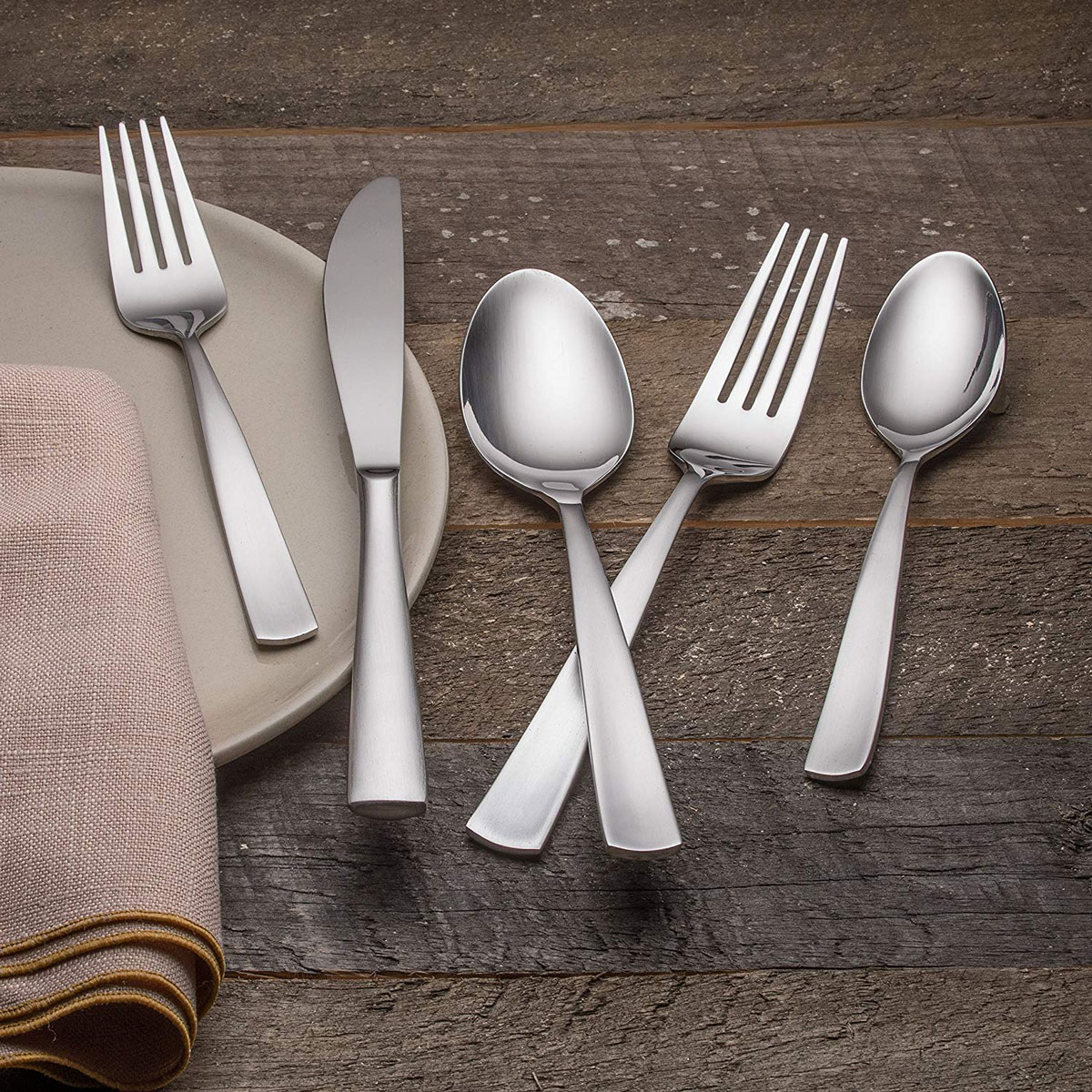 Farberware Cayenne Satin 20-Piece Flatware Set
