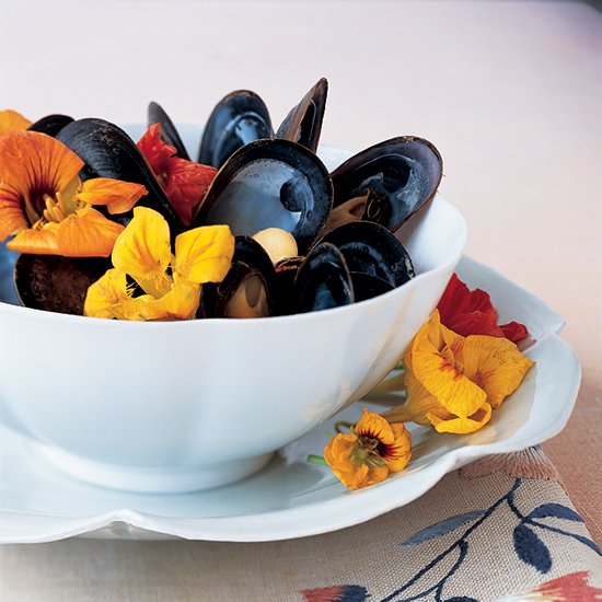 Mussels in Nasturtium Broth