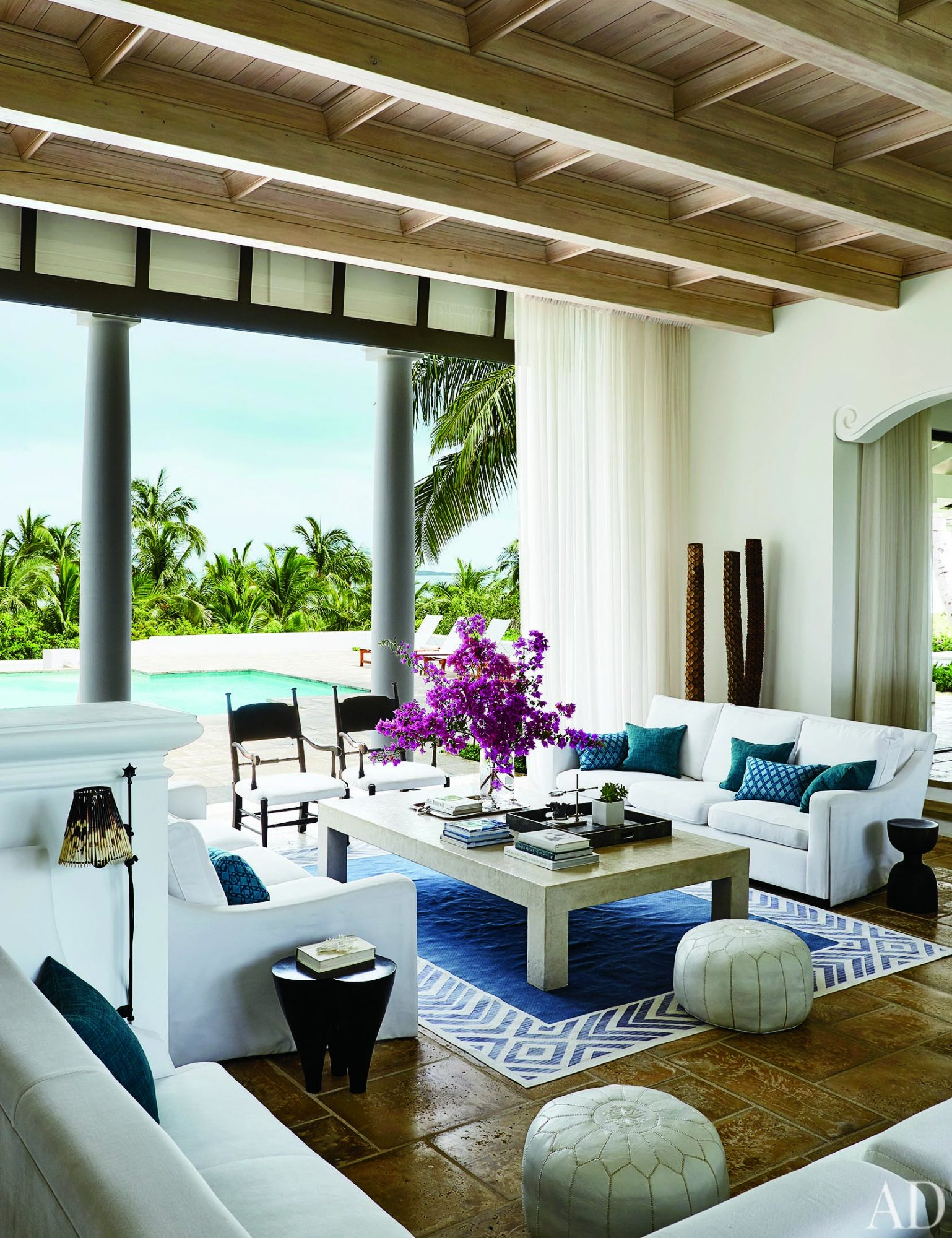 Faith Hill and Tim McGraw's Indoor-Outdoor Vibe