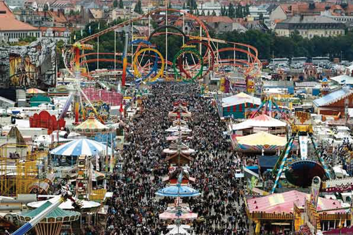 10-things-you-didnt-know-about-oktoberfest-8-Get-ready-to-sing-your-heart-out-720x480-inline.jpg