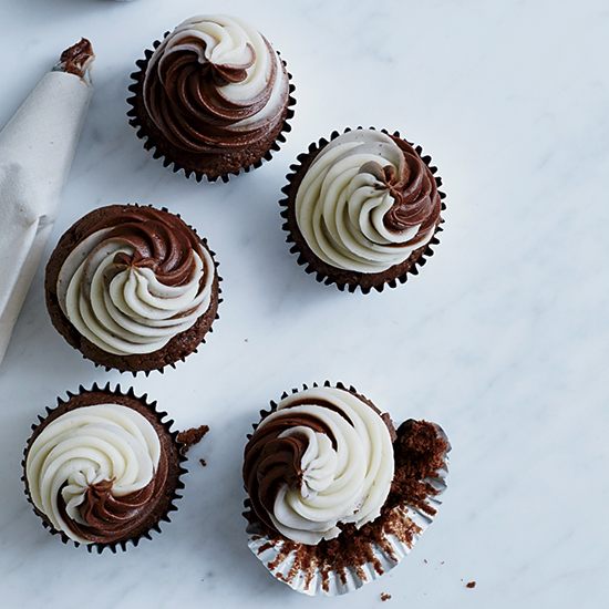 10 Perfect Cupcakes to Bake Dad for Father's Day