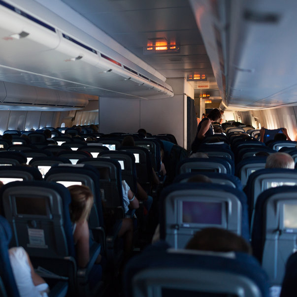Why cabin crew dims the light when a plane is landing