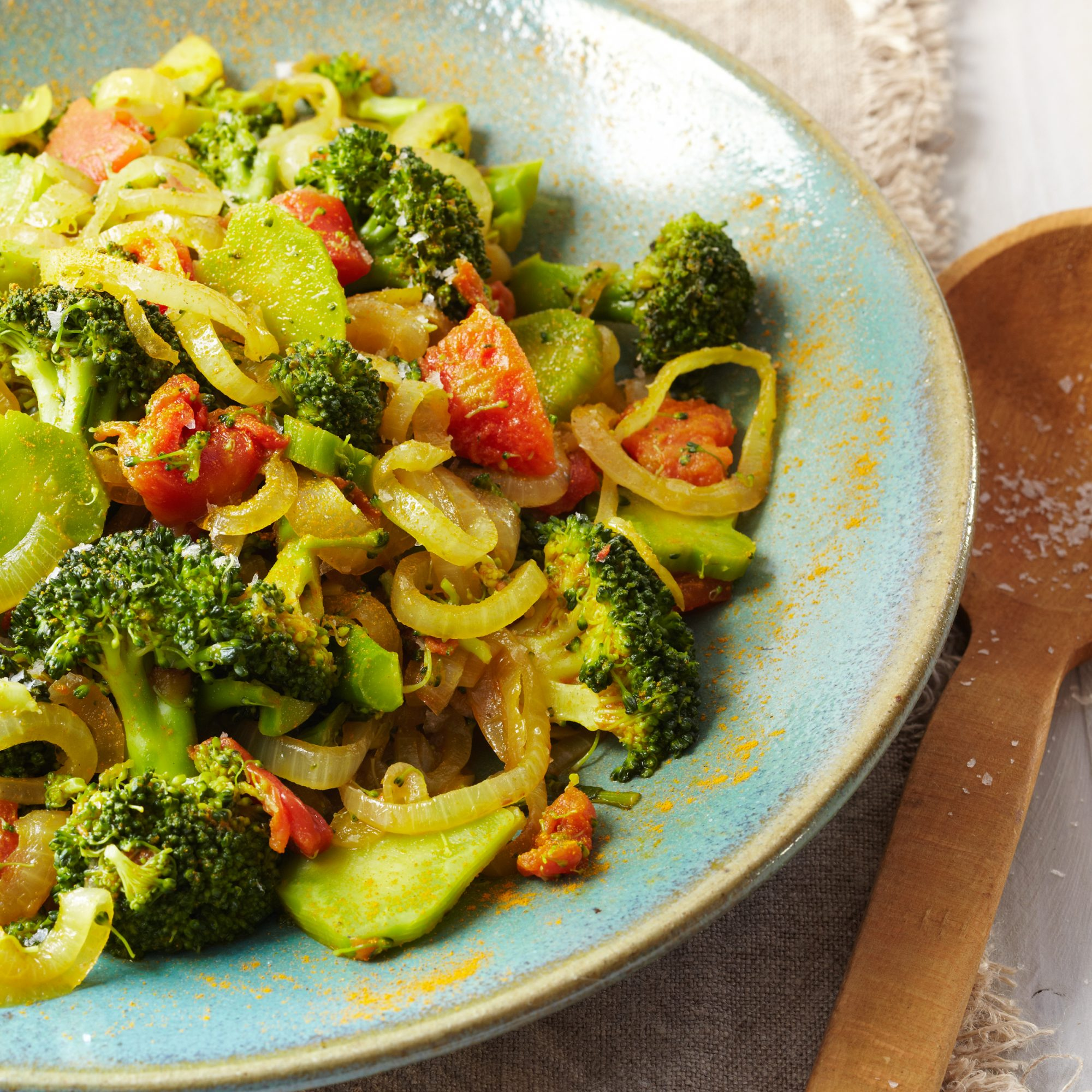 Broccoli with Turmeric and Tomatoes