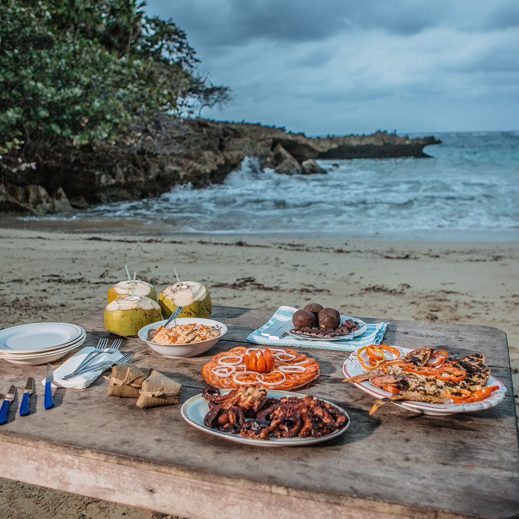 CUBAN FOOD BEACH MEAL FWX