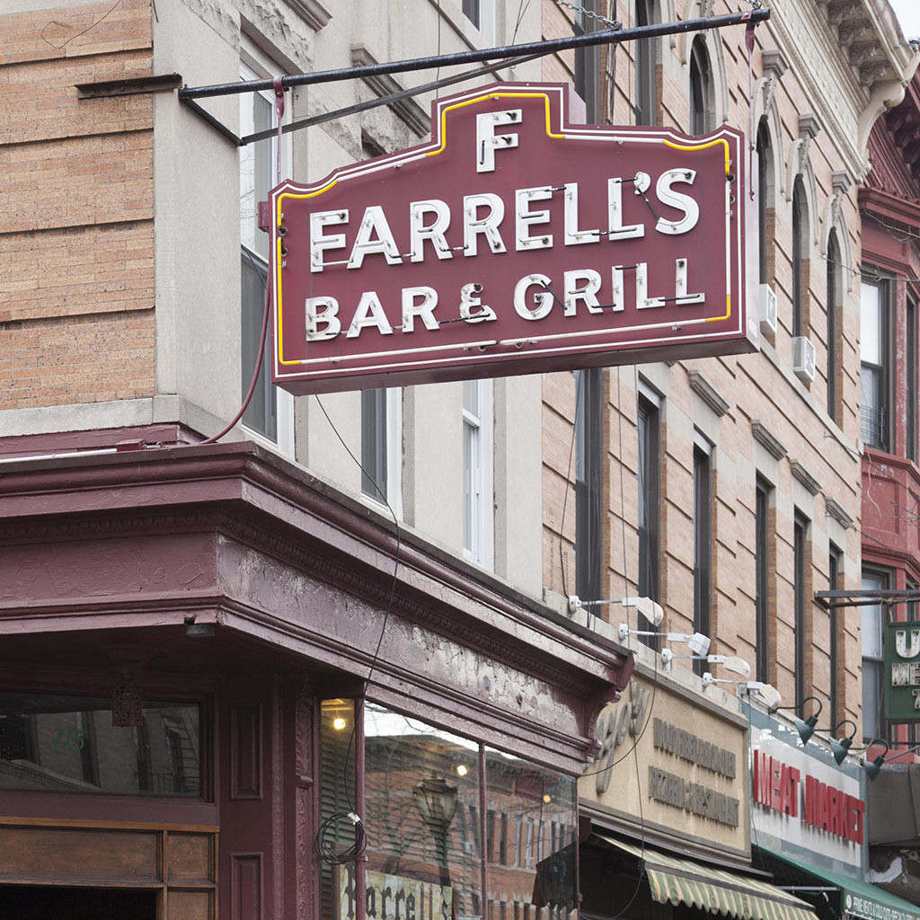 FWX 50 YEAR BARTENDER INDUCTED INTO HALL OF FAME