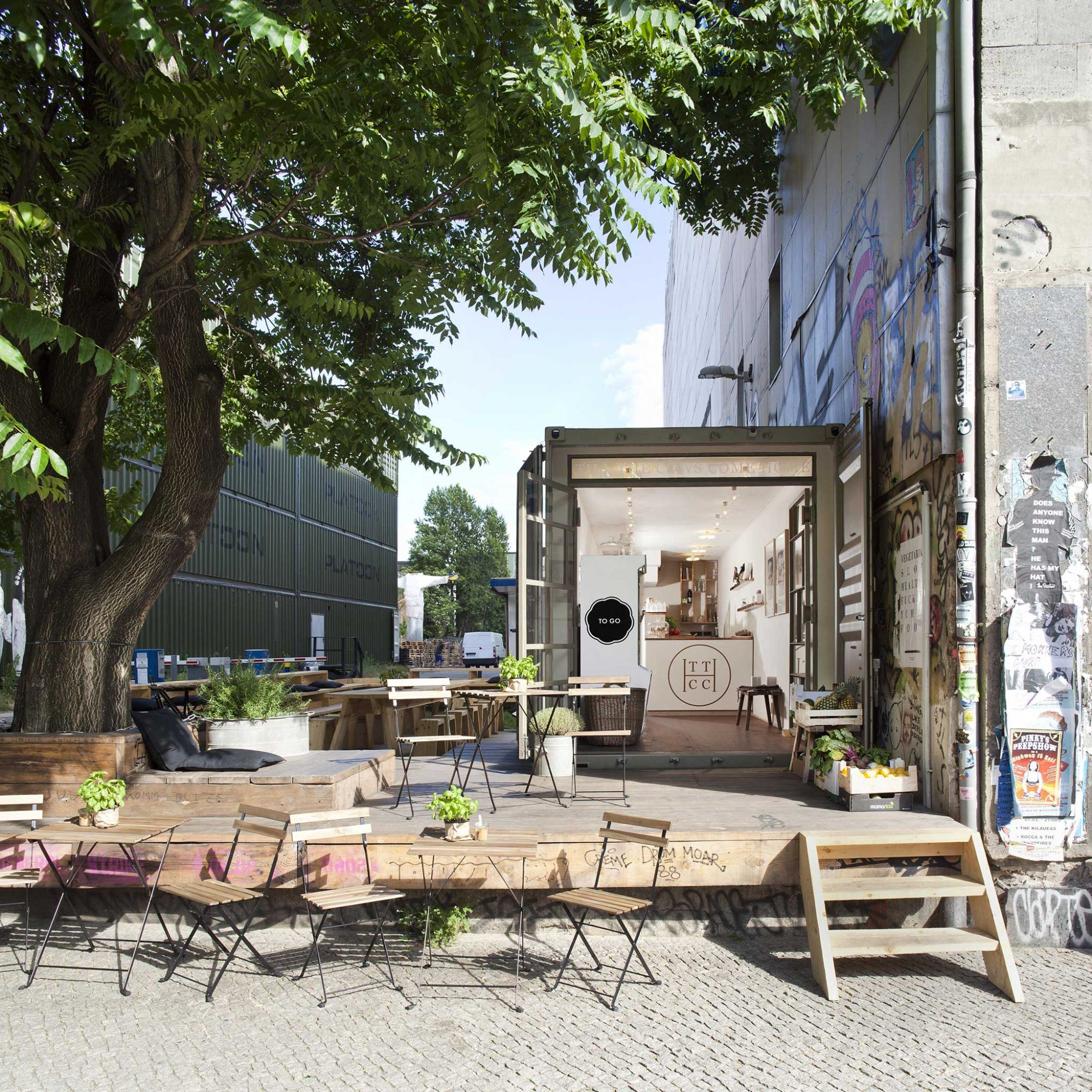 FWX BERLIN SHIPPING CONTAINERS EXTERIOR SUN