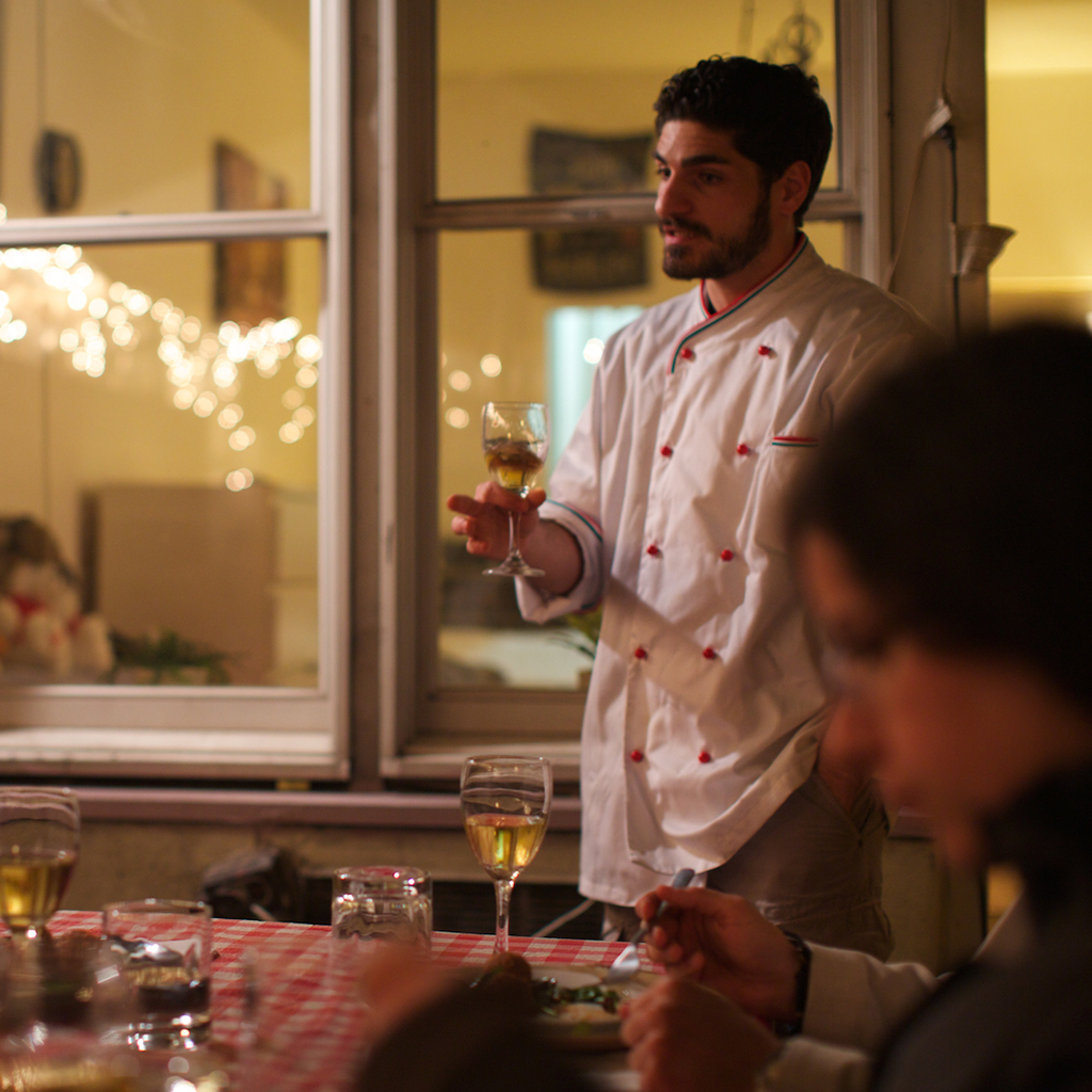 FWX EATING WITH THE AIRBNB OF DINNER PARTIES FEASTLY