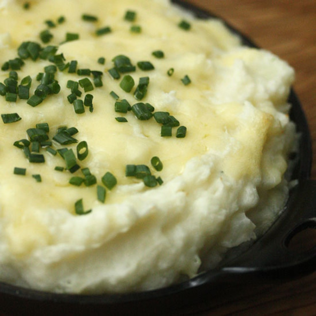 FWX EMBARRASSINGLY EASY THANKSGIVING POTATO RECIPES MASHED POTATO CASSEROLE WITH GRUYERE_0