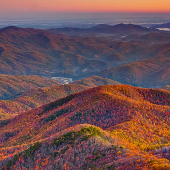 Best for Southern Leaf-Peeping: Smoky Mountains, Tennessee