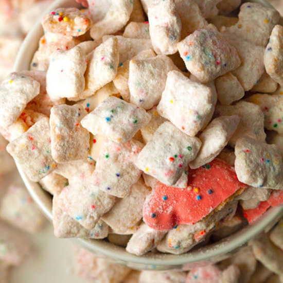 Frosted Animal Cracker Muddy Buddies