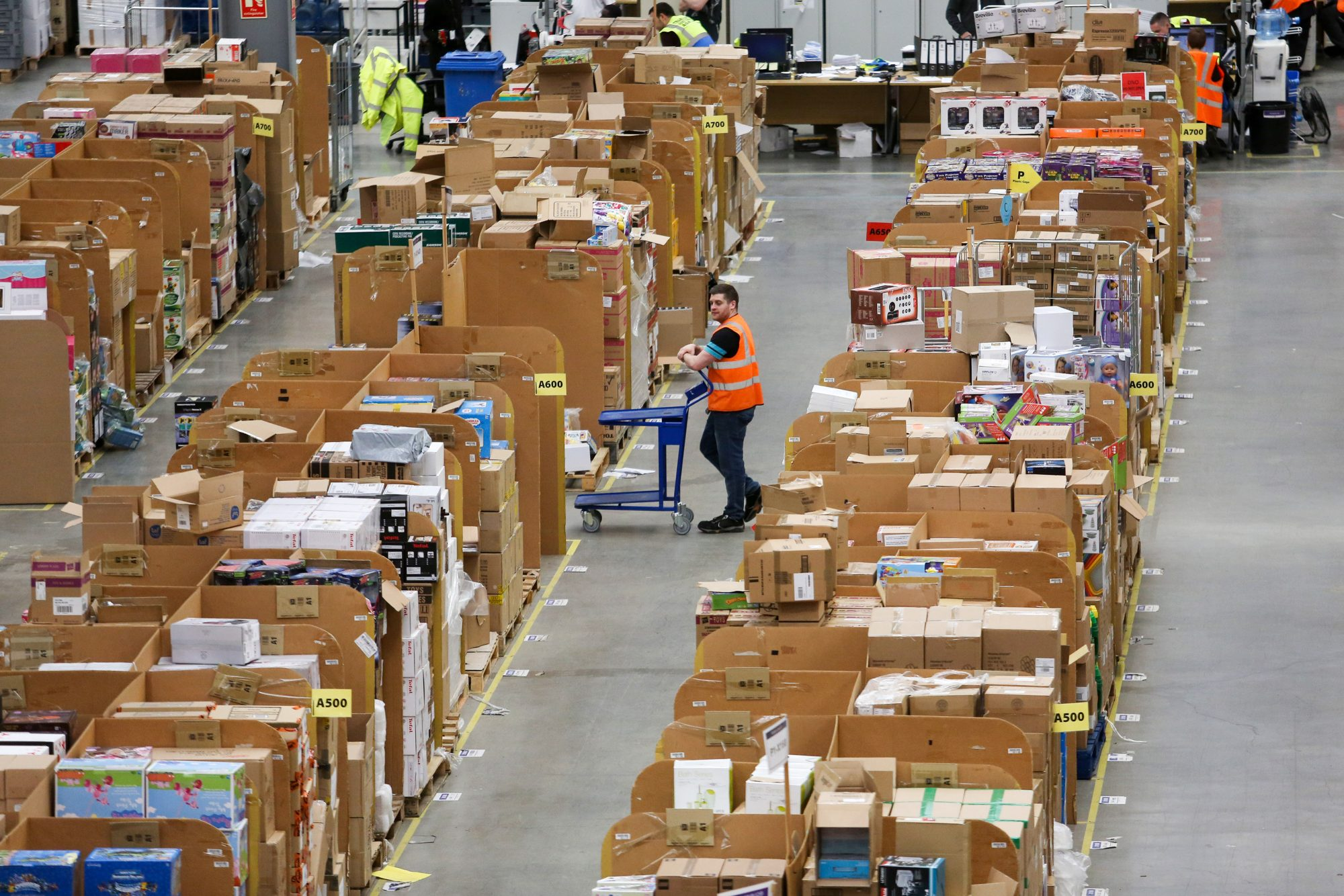 How Amazon's Newest Venture Could Test Walmart