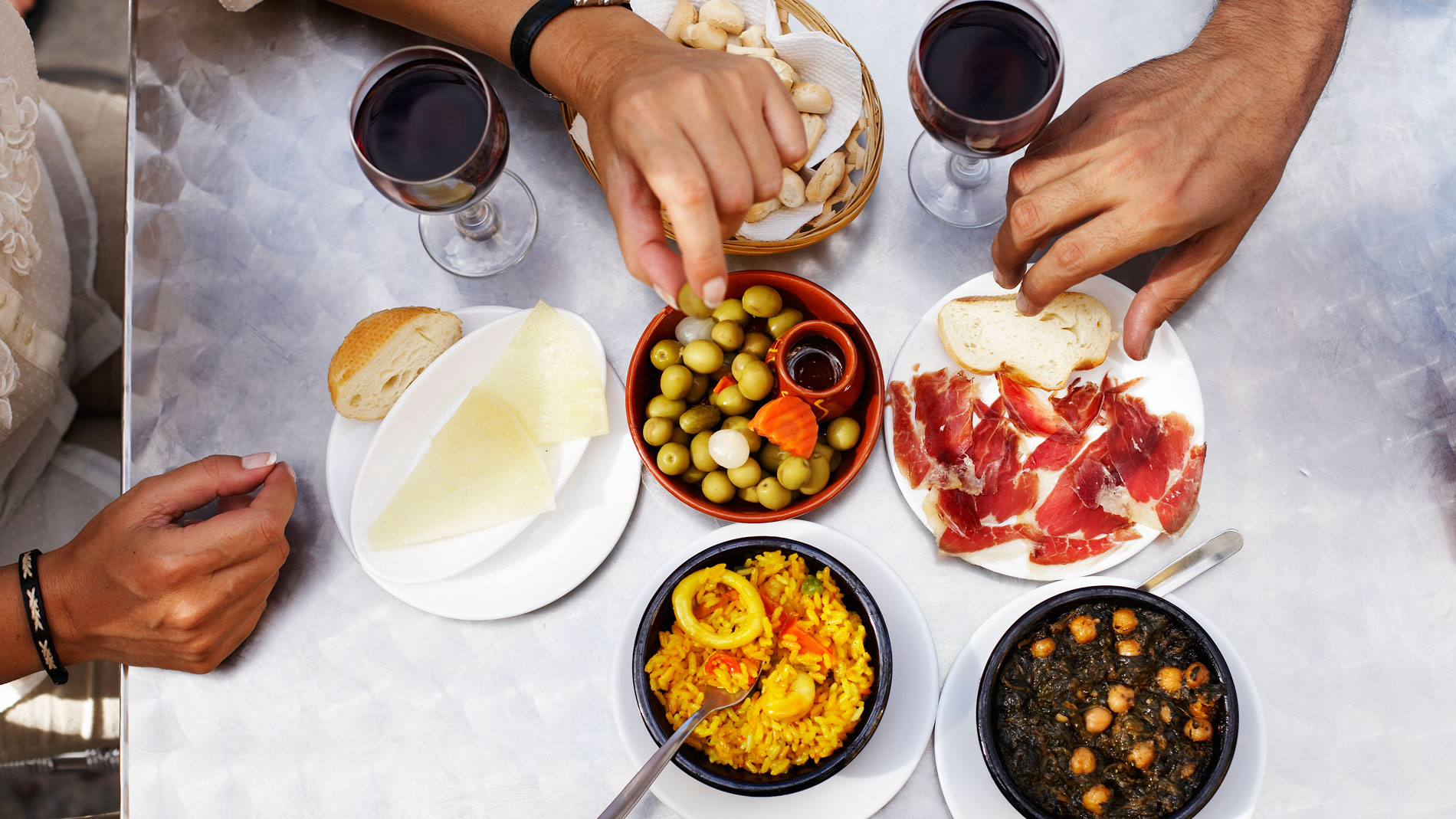 How to Order Wine in Spain