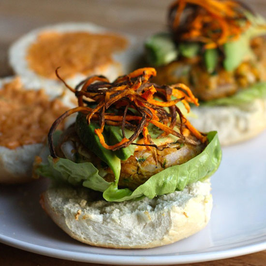 Spicy Chickpea Burgers With Sriracha Mayo