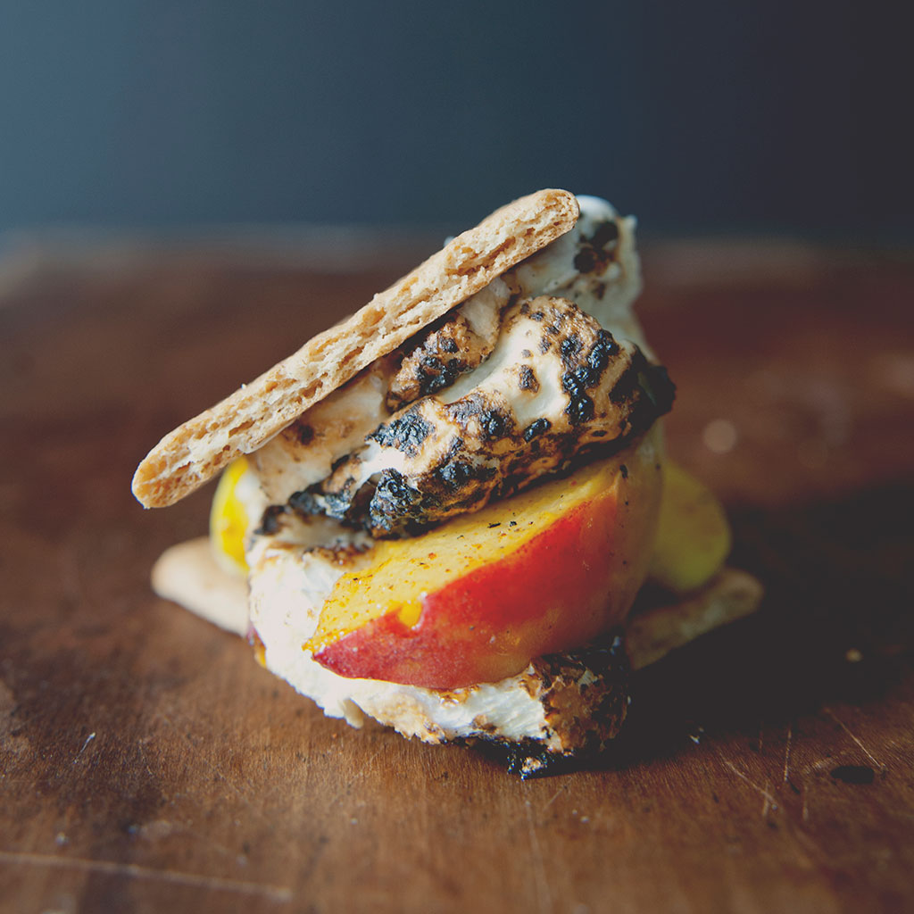 Kitchy Kitchen, peaches, smores, s'mores