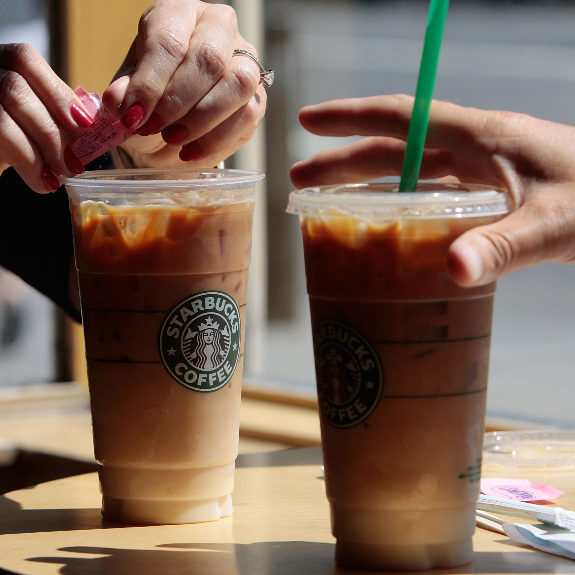 Starbucks-Iced-Coffee-Lawsuit- FWx