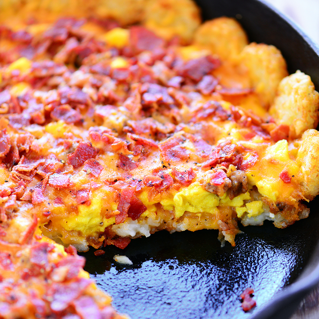 breakfast pizza, breakfast, pizza, tater tots