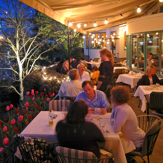 Best Outdoor Dining: Ponti Seafood Grill, Seattle