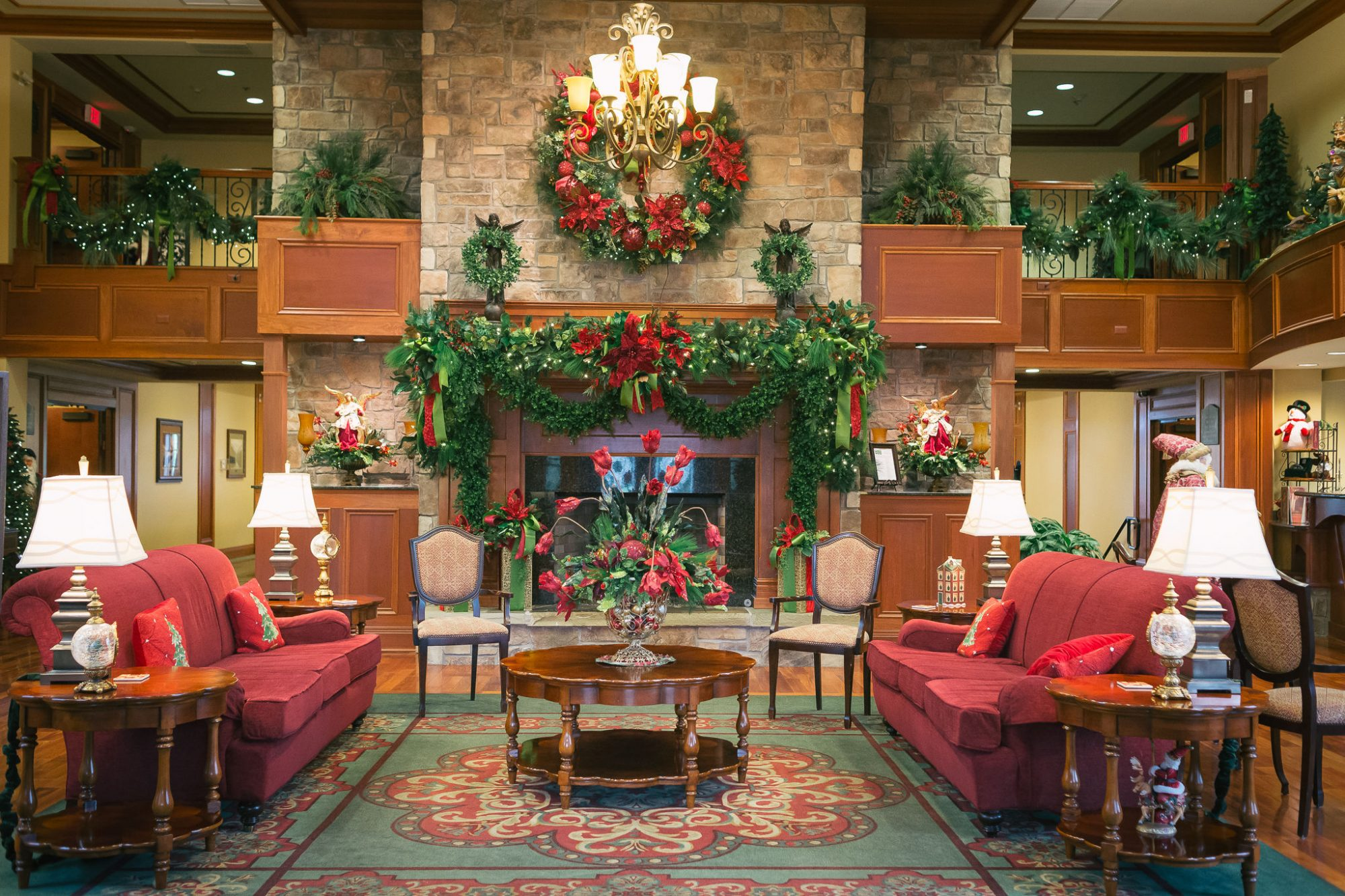 Entry Inn at Christmas Place