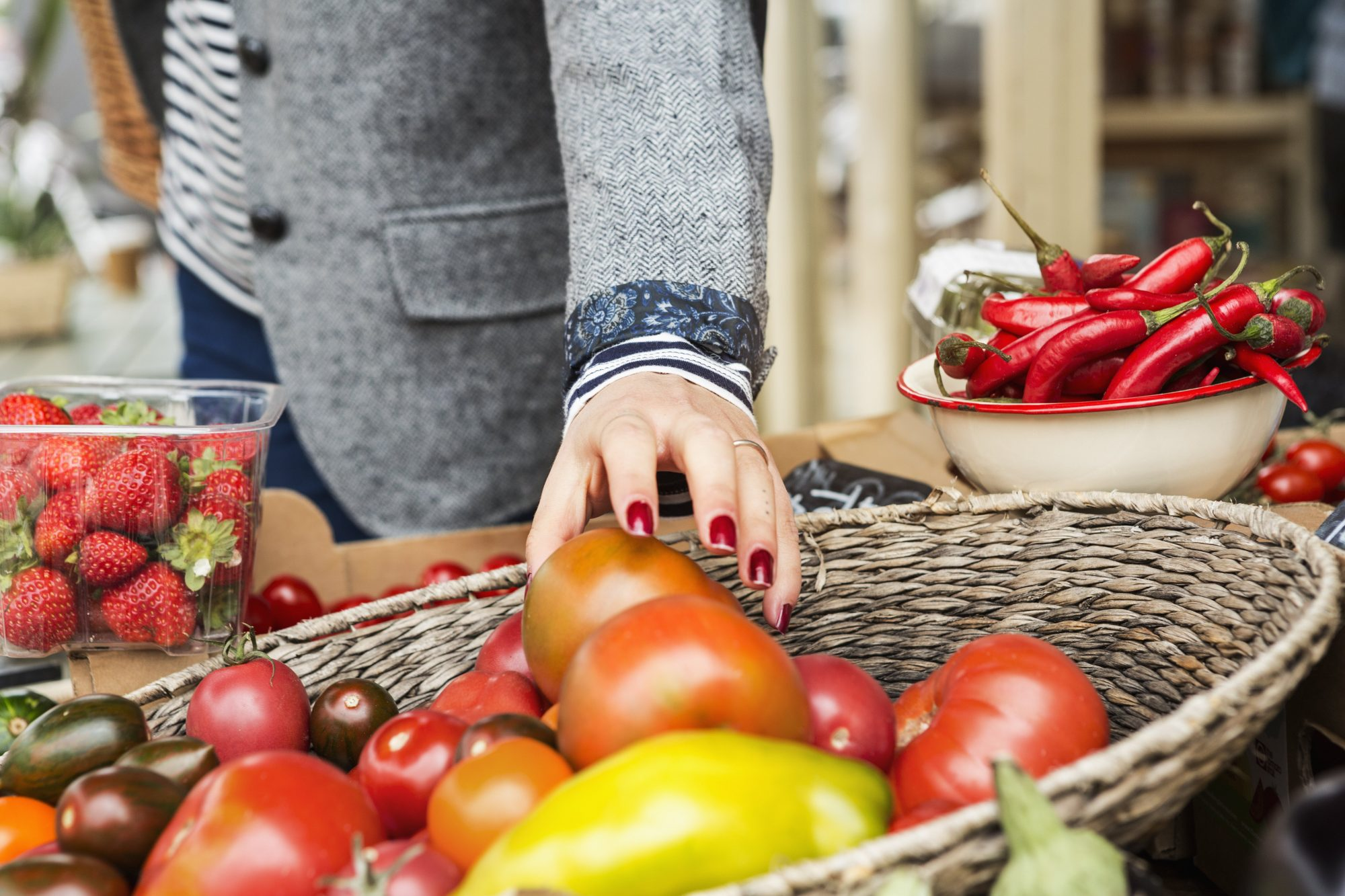 When to Splurge Vs. Save at the Farmer's Market