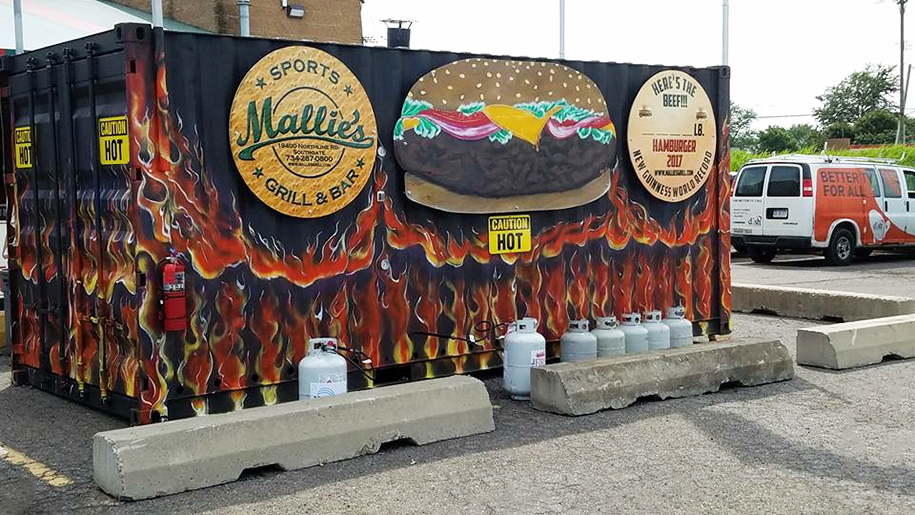 mallie's sports grill and bar breaks world record