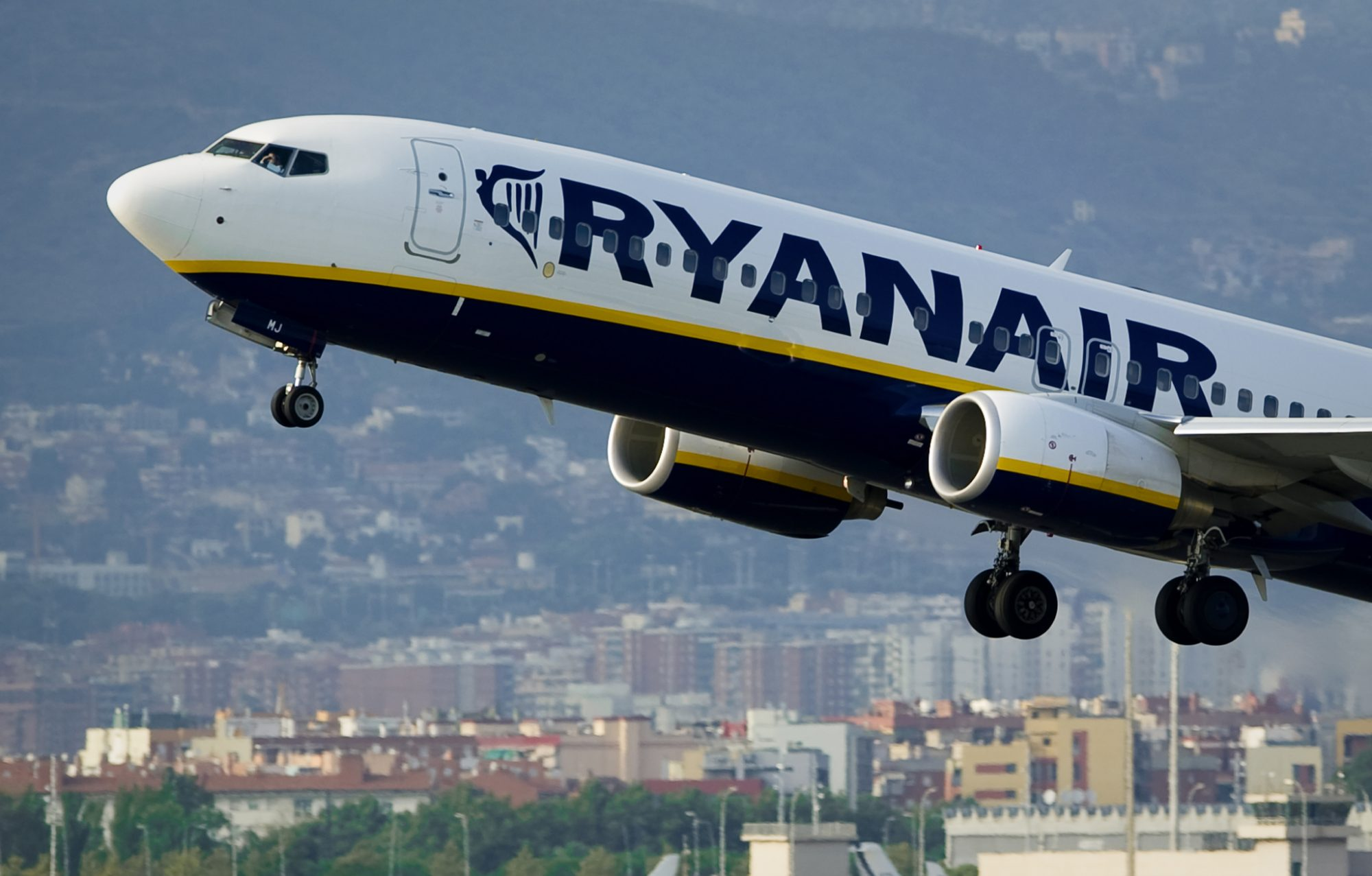 An airplane of the Irish low-cost airlin