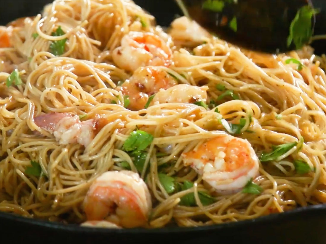 bacon wrapped shrimp pasta
