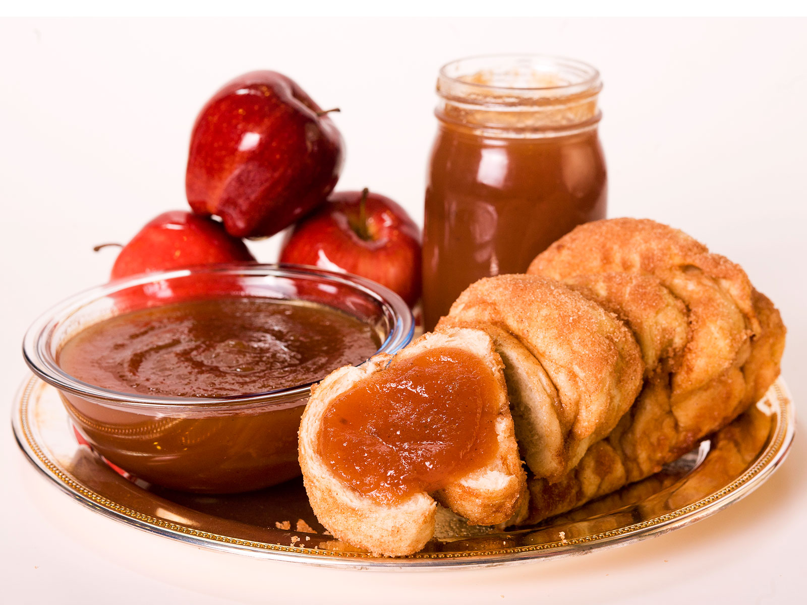 apple butter with cinnamon bread