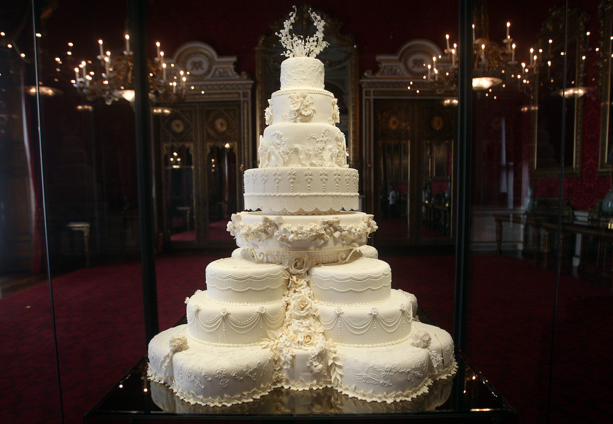 Will & Kate wedding cake