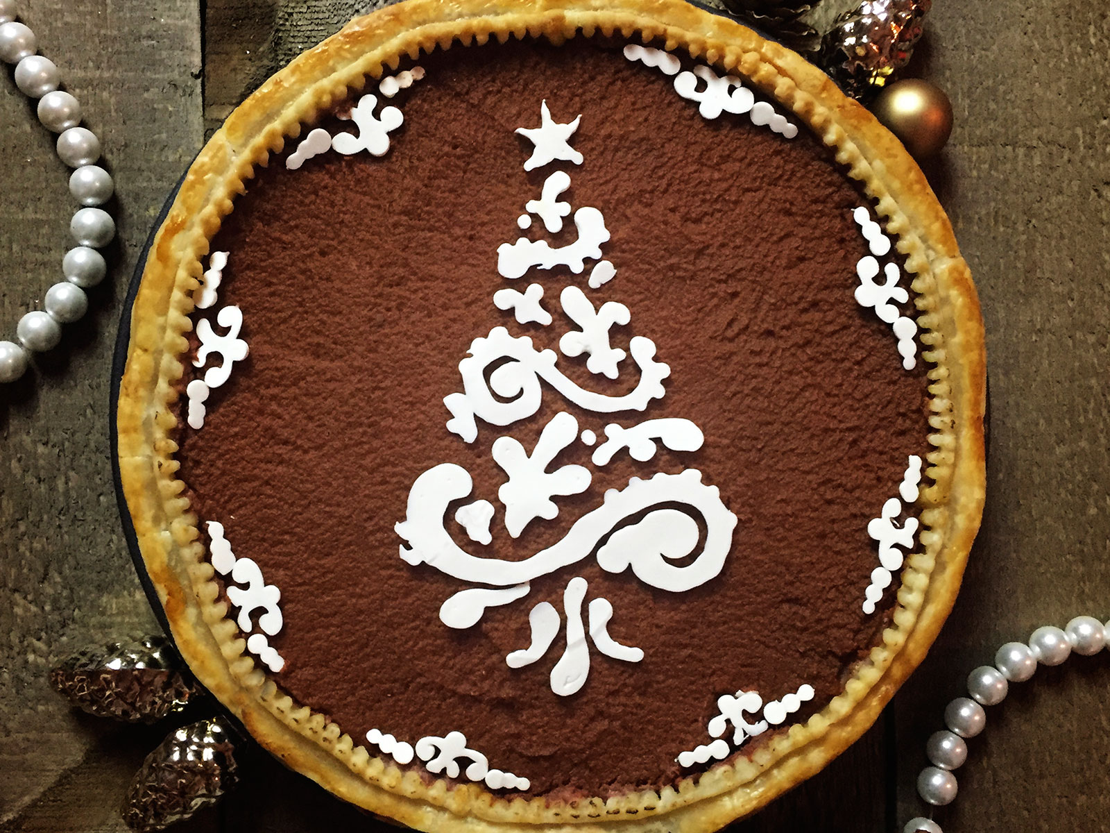 White Chocolate Scrolly Tree Pumpkin Pie