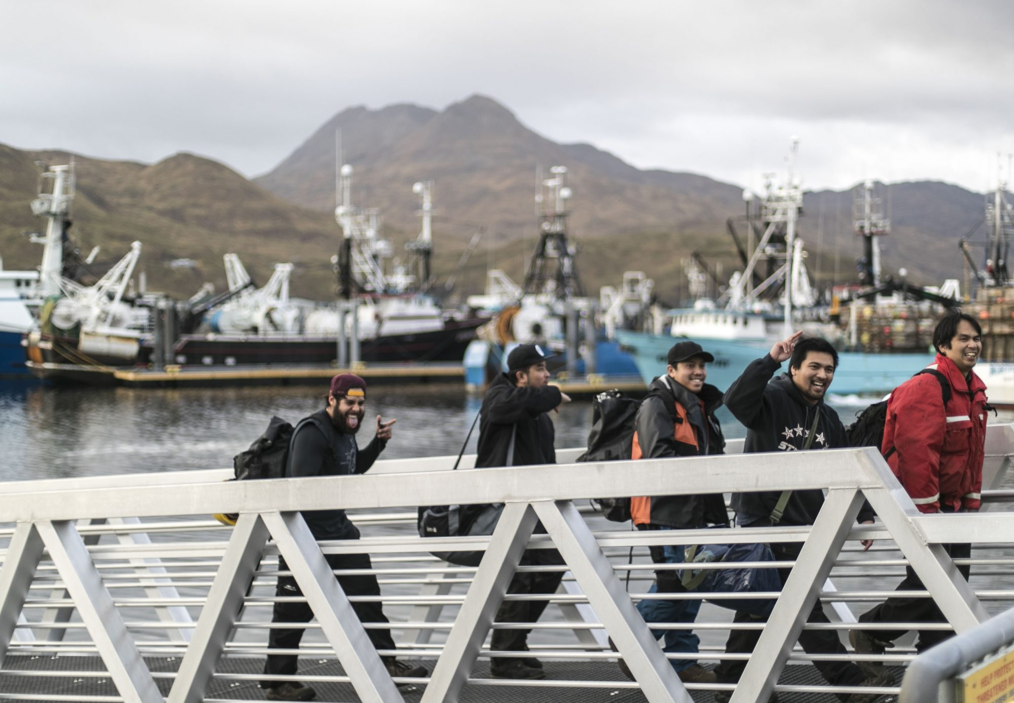 alaska-fishing-boat-crew-docking-FTBLOG1217.jpg