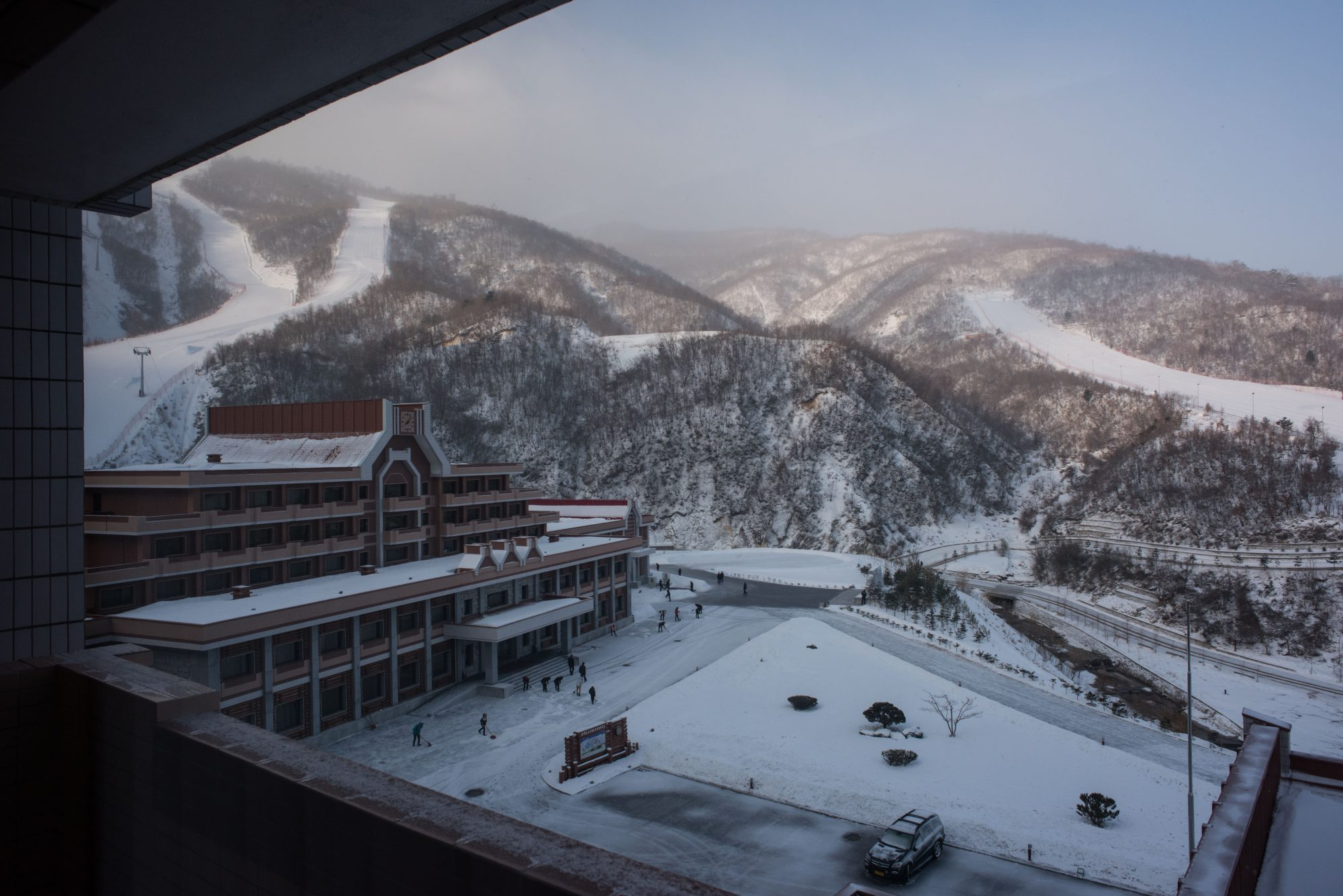 NKOREA-TOURISM-LEISURE-SKI-DIPLOMACY