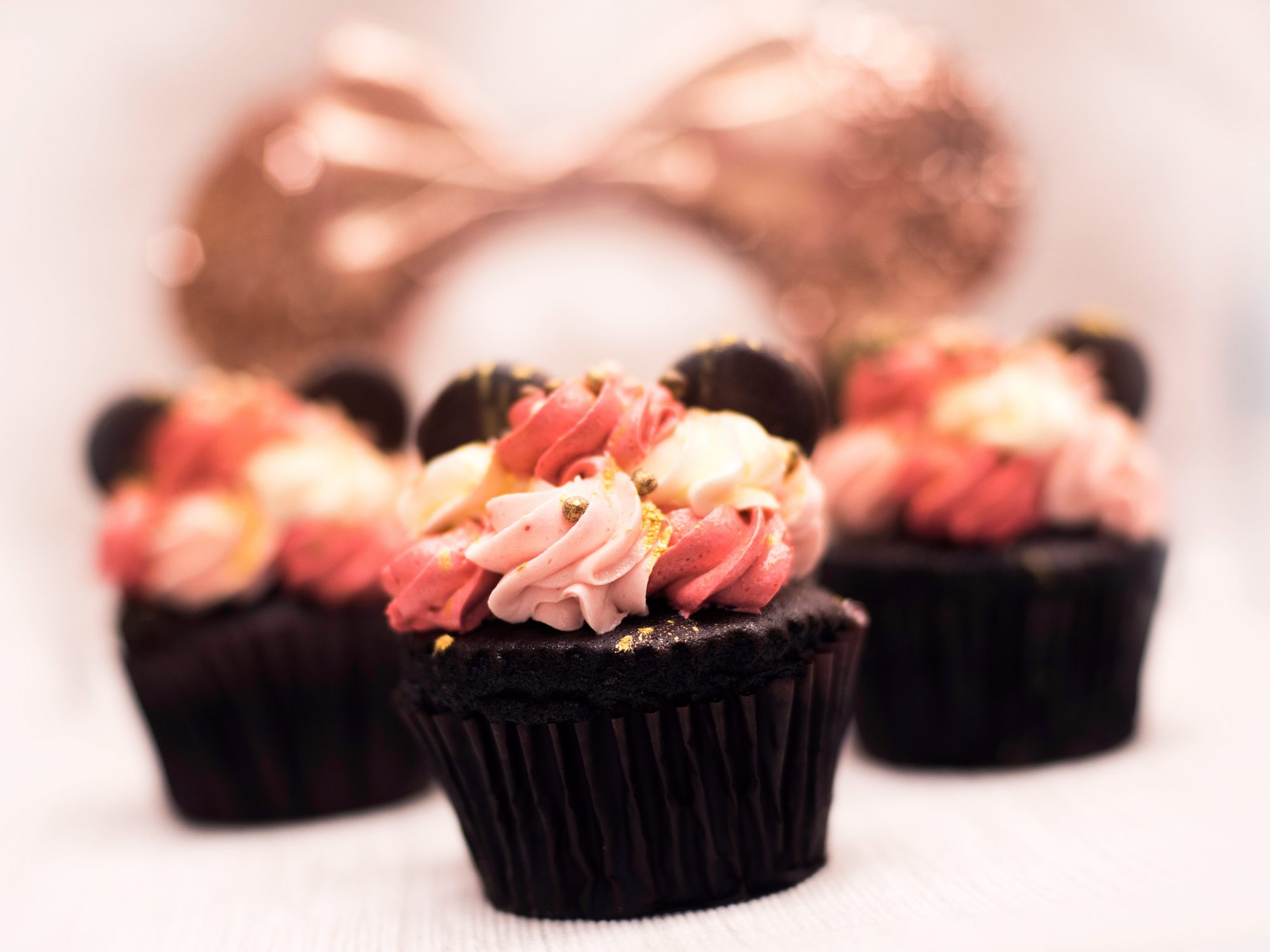 strawberry and chocolate mousse cupcake